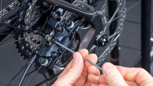 Jak vyměnit brzdové destičky na svém kole?